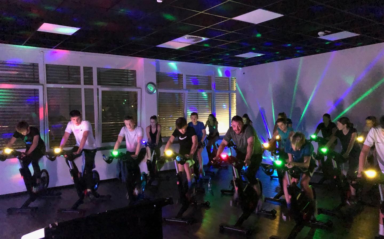 Spinning-Kurs für Fair Play Spenden-Tour
